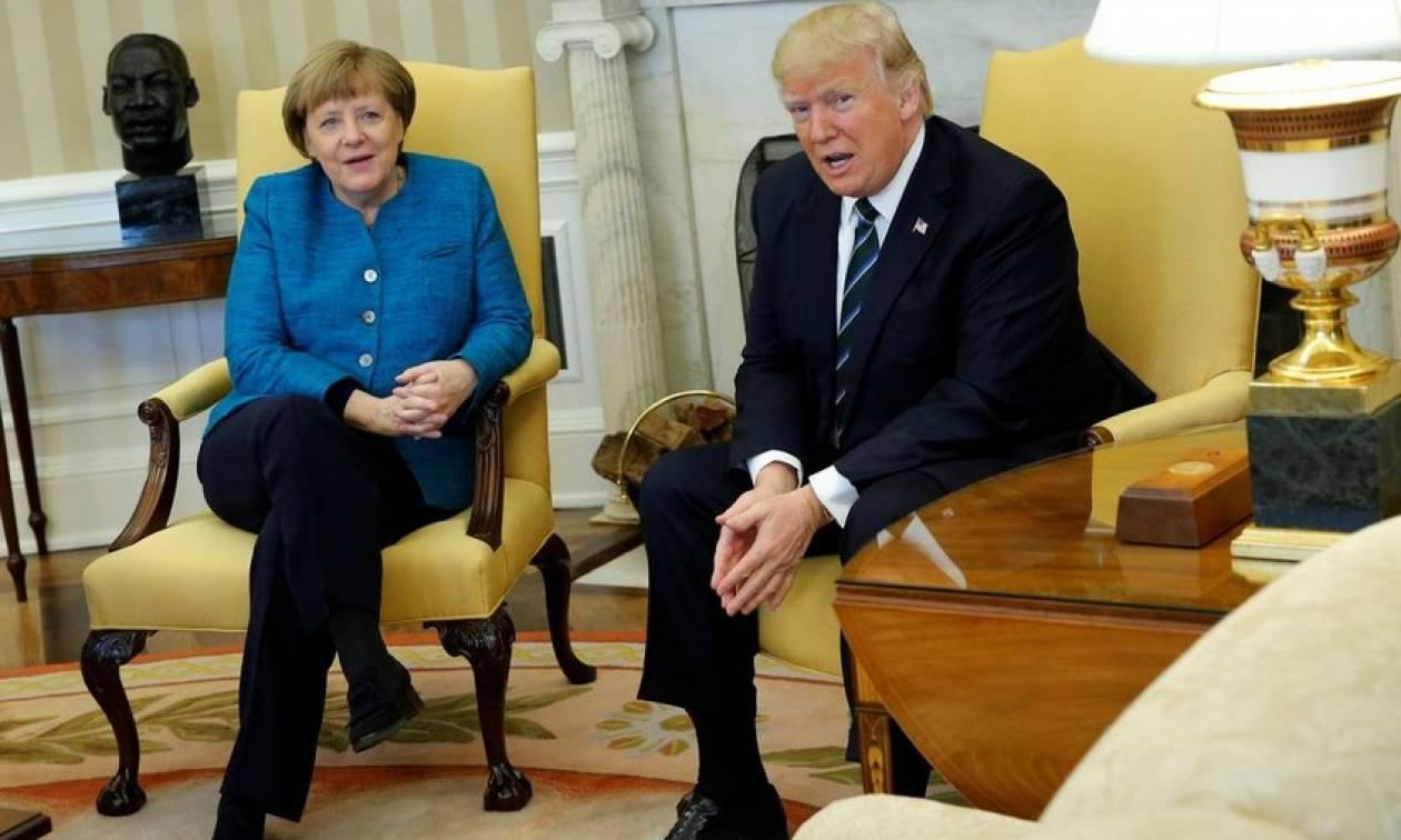 Ο Τράμπ δεν «χαρίστηκε» στη Μέρκελ: «Η Γερμανία μας χρωστάει τεράστια χρηματικά ποσά»