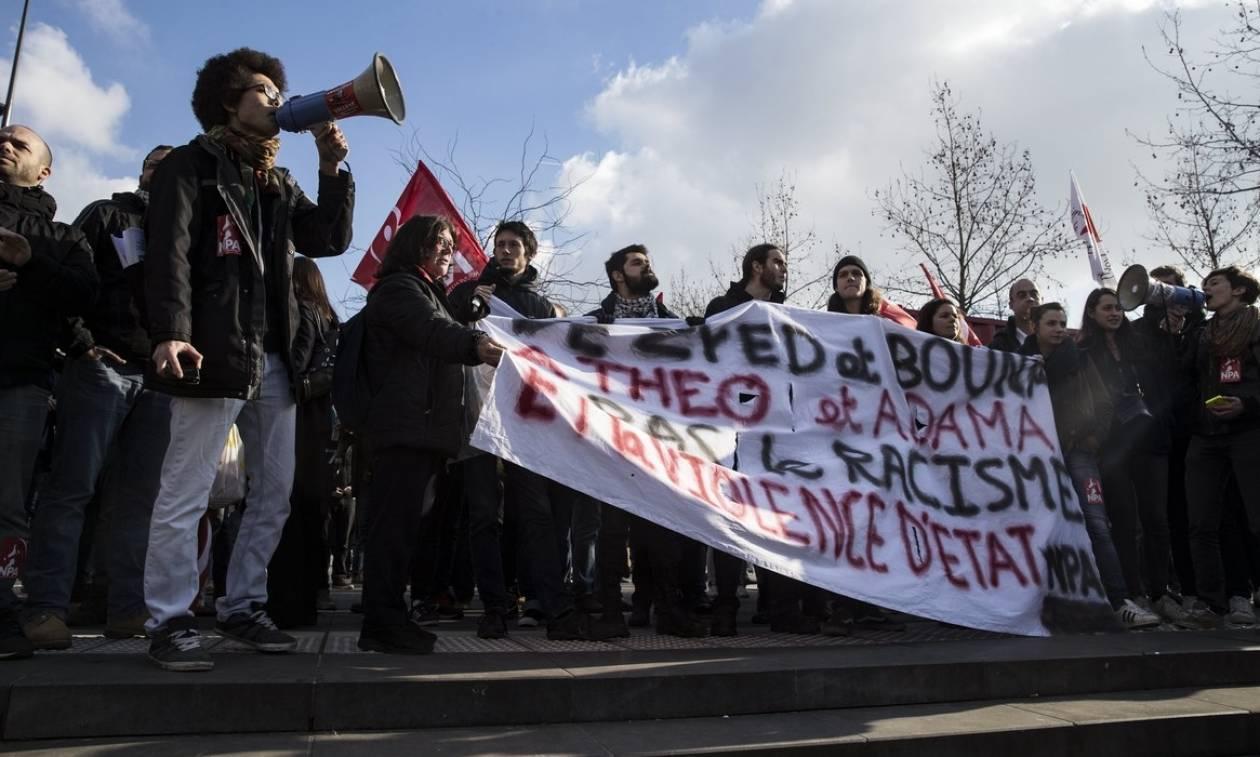 Παρίσι:  Χιλιάδες άνθρωποι διαδήλωσαν κατά της αστυνομικής βίας