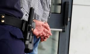 Πάτρα: Σωφρονιστικός υπάλληλος «έσπρωχνε» ναρκωτικά στις φυλακές