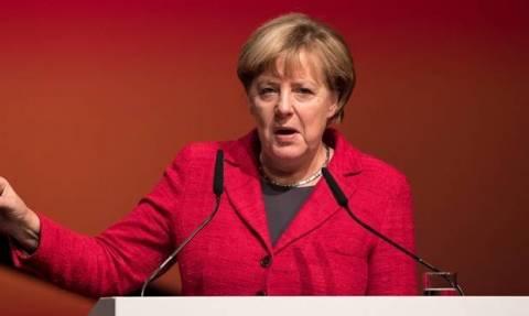 Μέρκελ: Προειδοποιεί τον Ερντογάν ότι θα απαγορεύσει τις προεκλογικές συγκεντρώσεις στη Γερμανία