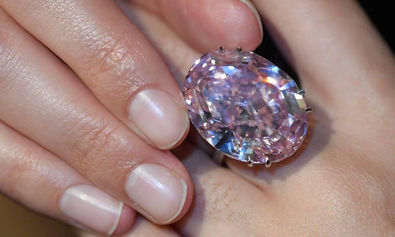 Βγαίνει σε δημοπρασία και πάει για ρεκόρ τo διαμάντι «Pink Star»