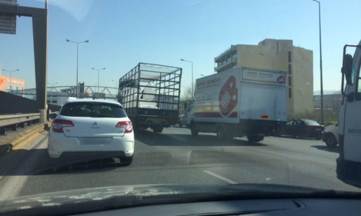 Χάος ΤΩΡΑ στους δρόμους της Αθήνας – Σε ποια σημεία τα οχήματα είναι ακινητοποιημένα