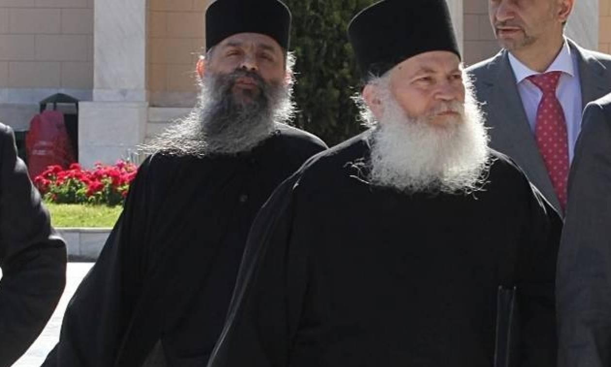 Υπόθεση Βατοπεδίου – Ακροατήριο σε Εφραίμ: «Άξιος ο γέροντας» - «Χριστός Ανέστη»