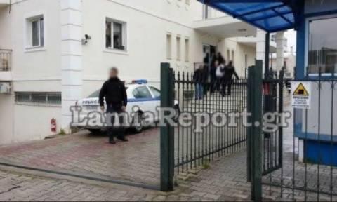 Λαμία: Νεκρός ο 58χρονος που βούτηξε στο κενό από κτίριο της αστυνομίας