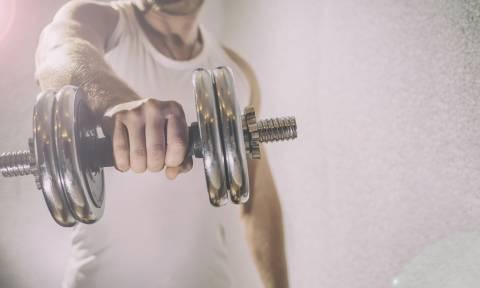 Έξι ασκήσεις για να κάψεις λίπος και να δυναμώσεις