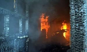 Διδυμότειχο: Στις φλόγες το τέμενος Βαγιαζήτ στο κέντρο της πόλης (video)