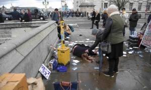 Λονδίνο: Σοκαριστικά βίντεο από την επίθεση στη γέφυρα Westminster - Αίματα παντού και τραυματίες