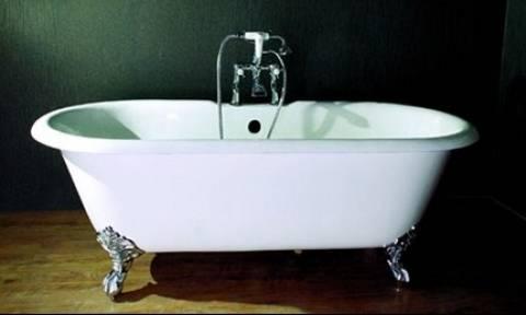 Είναι βρώμικη η μπανιέρα σας; Με αυτό το πανίσχυρο σπιτικό καθαριστικό θα γίνει σαν καινούργια (vid)