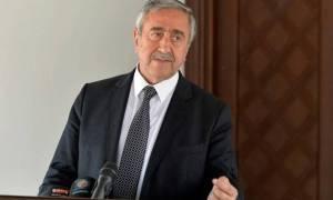 Τις εξελίξεις στο Κυπριακό συζήτησαν, τηλεφωνικώς, Ακιντζί-Τζόνσον