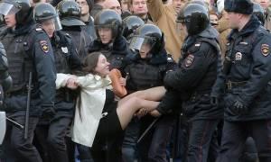 Δριμύ κατηγορώ των ΗΠΑ κατά της Ρωσίας για τις συλλήψεις εκατοντάδων διαδηλωτών (Pics+Vids)