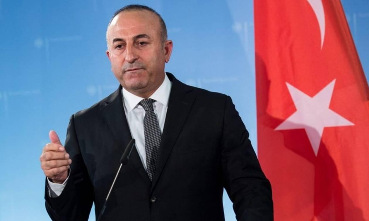 Τσαβούσογλου: Χωρίς διαβατήριο οι Ρώσοι πολίτες στην Τουρκία