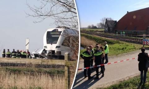Σιδηροδρομικό δυστύχημα στην Ολλανδία: Τρένο παρέσυρε αυτοκίνητο - Δύο νεκροί