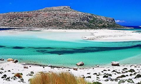 «Βουλιάζει» από τουρίστες φέτος η Ελλάδα! Κρήτη, Πάρος, Ρόδος στους κορυφαίους προορισμούς