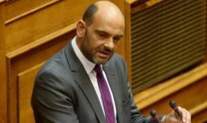 Ποιος «πλάκωσε» στις κλωτσιές τον βουλευτή της ΝΔ, Ιάσονα Φωτήλα (βίντεο)