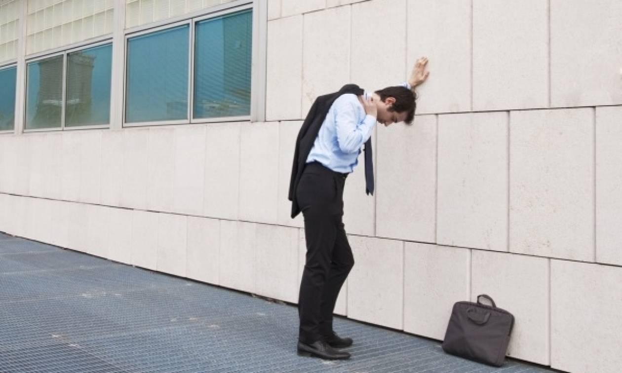 «Καλπάζει» η ανεργία στην Ελλάδα, ενώ στην Ευρώπη μειώνεται!