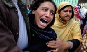 Βομβιστής αυτοκτονίας σκόρπισε το θάνατο στη Λαχόρη του Πακιστάν (Vid)