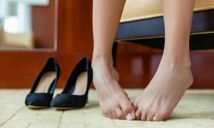 Ψηλά τακούνια: Ποιον κίνδυνο εγκυμονούν για τα νύχια σας