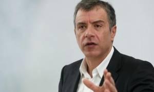 Θεοδωράκης: Ας δοκιμάσει η κυβέρνηση να πει έστω για μια φορά την αλήθεια στον ελληνικό λαό