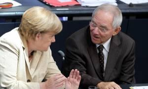 Μέρκελ και Σόιμπλε με... μια φωνή: Πρώτα τα μέτρα και για το χρέος βλέπουμε