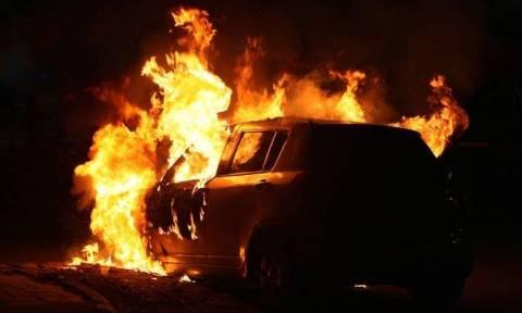 19χρονος εθνοφρουρός σε κρίσιμη κατάσταση με εγκαύματα-Άρπαξε φωτιά το αυτοκίνητό του