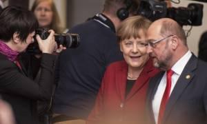 Γερμανικές εκλογές: Προβάδισμα της Μέρκελ έναντι του Σουλτς σε νέα δημοσκόπηση