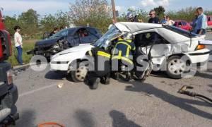 «Ματωμένο» Πάσχα στη Λάρισα: Ένας νεκρός και τέσσερις τραυματίες σε τροχαίο (pics)