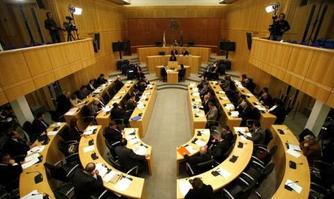 Σύγκληση Εθνικού Συμβουλίου ζητούν τα κόμματα της Κύπρου μετά το τουρκικό δημοψήφισμα