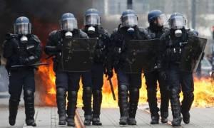 Γαλλία: Επεισόδια μεταξύ αστυνομικών και διαδηλωτών στο Παρίσι
