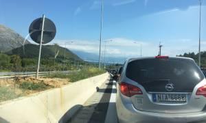 ΤΩΡΑ: Ταλαιπωρία και ουρές χιλιομέτρων στην Ιονία οδό (pics)