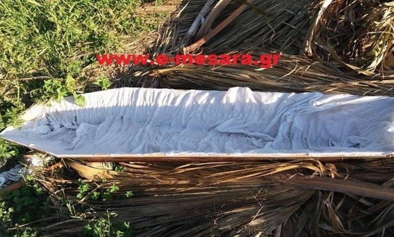 Μακάβριο θέαμα στο Τυμπάκι: Πέταξαν φέρετρα σε.. αυτοσχέδιο σκουπιδότοπο