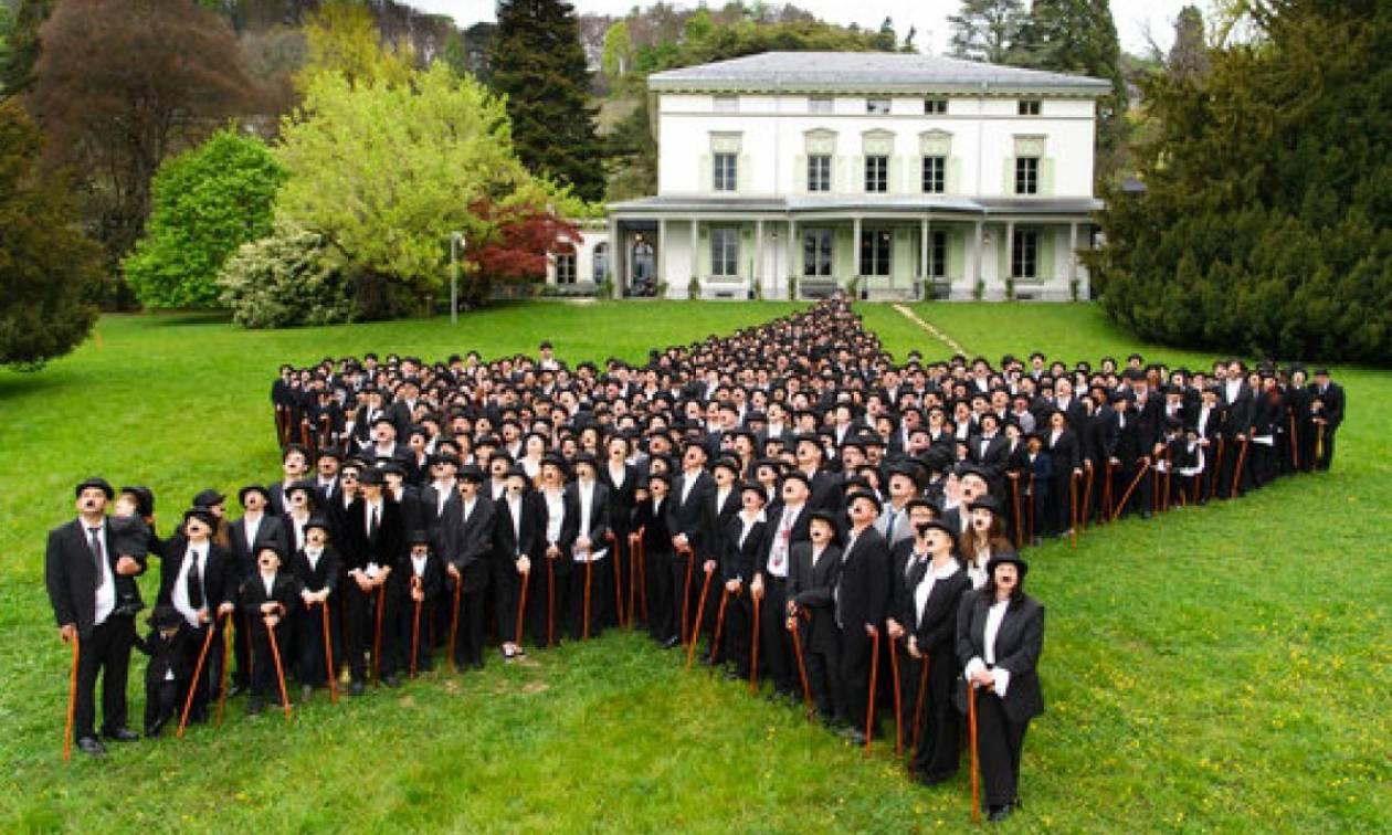Ελβετία: 662 θαυμαστές του Σαρλό μεταμφιέζονται και καταγράφουν ρεκόρ (pics)