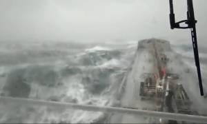 Εμπορικό πλοίο βυθίστηκε στην Μαύρη Θάλασσα - Σε εξέλιξη μεγάλη επιχείρηση διάσωσης