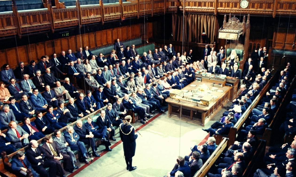 Βρετανία: Στη Βουλή των Κοινοτήτων κρίνεται σήμερα η απόφαση της Τερέζα Μέι για πρόωρες εκλογές