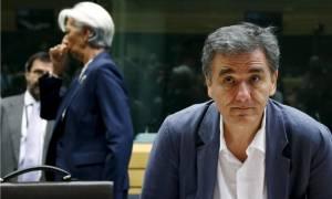 Μάχη δανειστών για τα κέρδη από την Ελλάδα στην Ουάσινγκτον