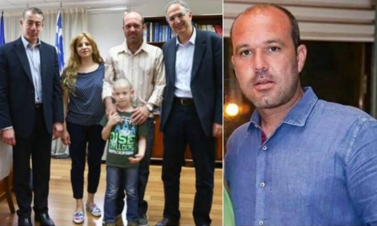 Άφησε πίσω του δύο παιδιά αλλά δεν ξεχάστηκε η μνήμη του - Συγκινεί η πράξη του ανήλικου γιου του