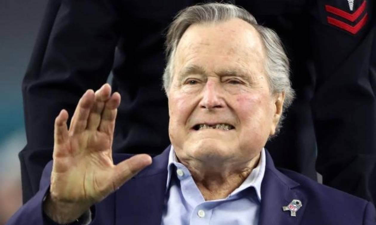Η συγκινητική φωτογραφία και το μήνυμα των Μπους από το νοσοκομείο