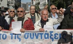 Πλήρης οδηγός για παλαιούς και νέους συνταξιούχους: Περικοπές, επανυπολογισμός και προσωπική διαφορά