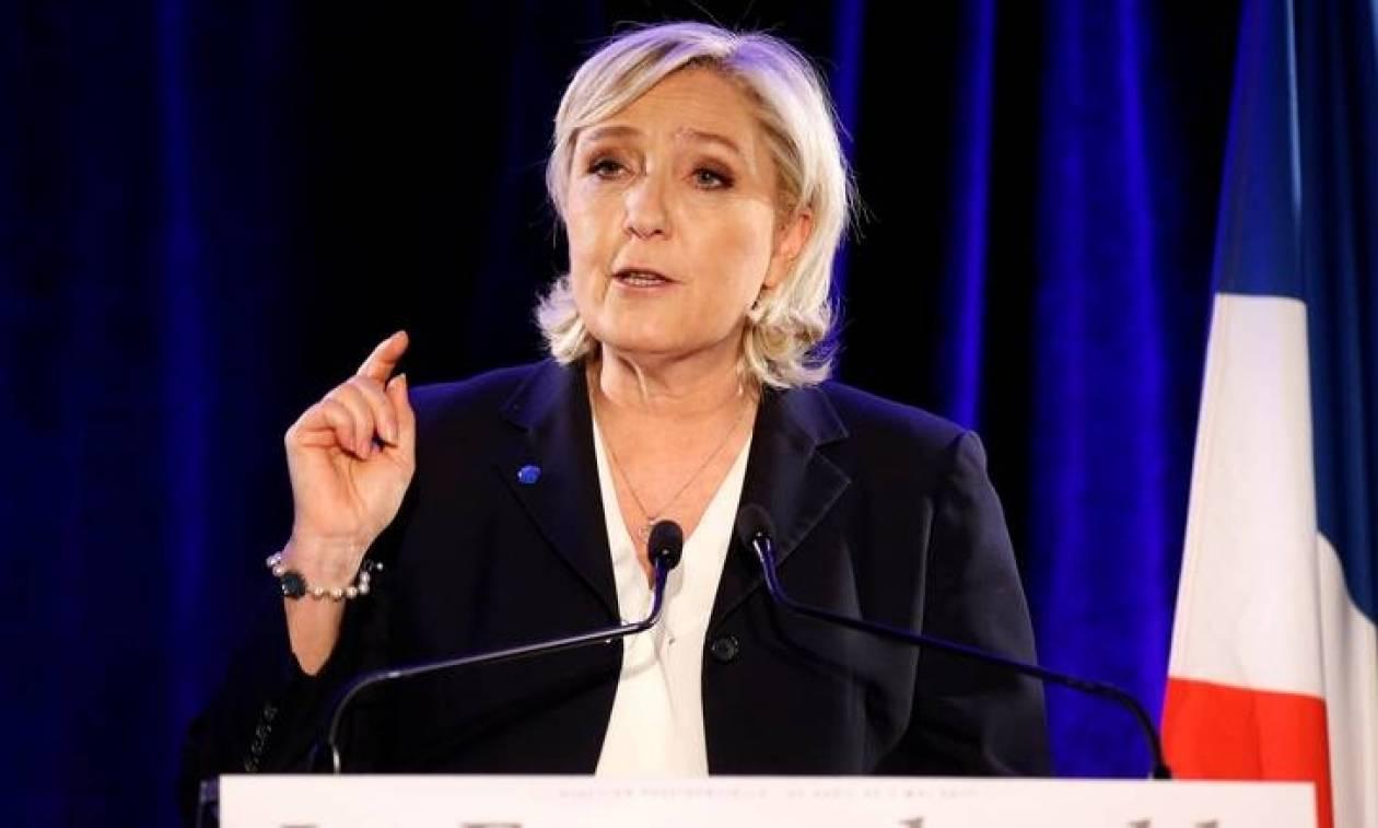 Προεδρικές εκλογές Γαλλία: Ανεβαίνουν τα ποσοστά της Λεπέν μετά το τρομοκρατικό χτύπημα