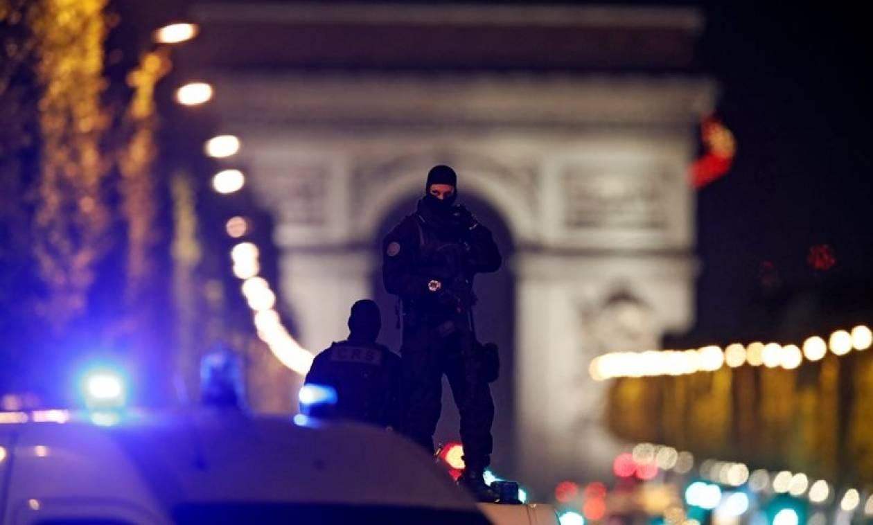 Βέλγιο: Ο καταζητούμενος που παραδόθηκε δεν έχει σχέση με την επίθεση στο Παρίσι