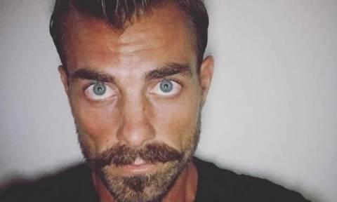 Survivor: Ο Στέλιος Χανταμπάκης έφτασε Ελλάδα - Τον υποδέχτηκαν με… σπαθιά (photo&video)