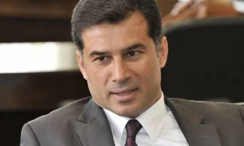 Οζγκιουργκιούν: «Περιπαίξιμο η απόφαση της Βουλής για την Ένωση»