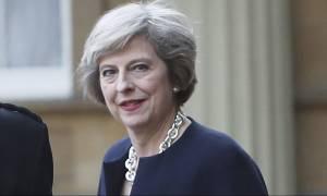 Εκλογές Βρετανία - Δημοσκόπηση: Ισχυρό προβάδισμα για την Τερέζα Μέι