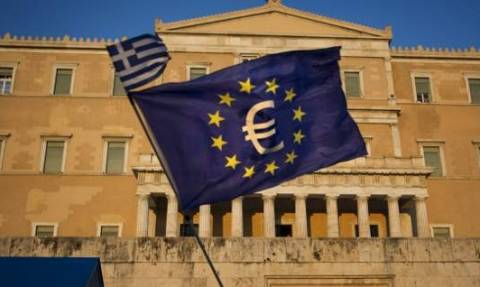 Forbes: Η Ελλάδα έπρεπε να χρεοκοπήσει