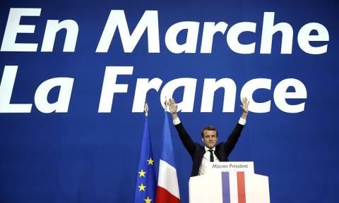 Макрон победил в первом туре выборов президента Франции