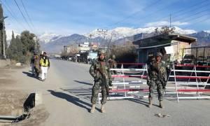 Αιματηρή επίθεση αυτοκτονίας στο Πακιστάν