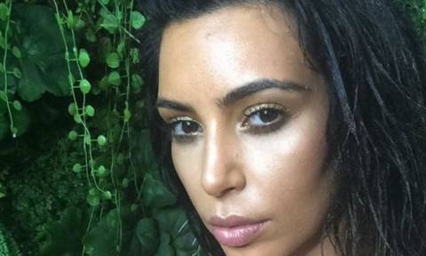 H εμφάνιση της Kim Kardashian στην παραλία και...ο μεγάλος προβληματισμός