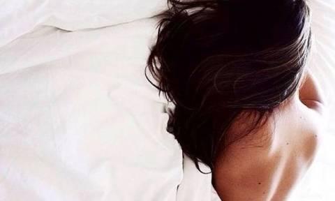 Τέσσερα απίστευτα πράγματα που συμβαίνουν στο σώμα σου ενώ κοιμάσαι