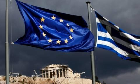 Handelsblatt: Οι δανειστές θέλουν να ελέγξουν και πάλι την Ελλάδα