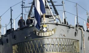 Ξαναβγήκε στην ανοικτή θάλασσα το θωρηκτό «Αβέρωφ» (pics+vid)