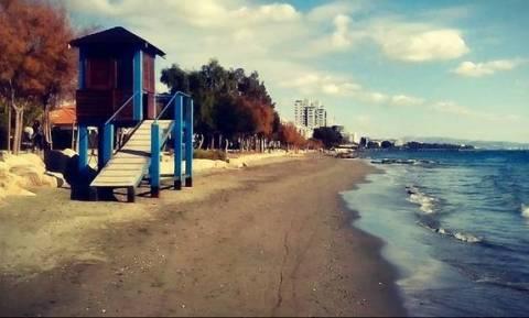 Εξαφανίστηκε η άμμος σε παραλία της Λεμεσού